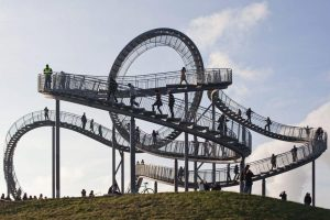 Heike Mutter en Ulrich Genth: Tiger & Turtle - Magic Moutain C